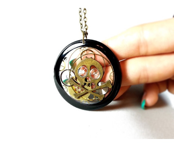 skeleton_head_pendant_transparent_steampunk_necklace_resin_steampunk__necklaces_5.jpg