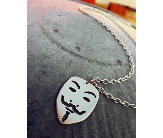 guy_fawkes_mask_v_for_vendetta_pendant_necklace_necklaces_2.jpg