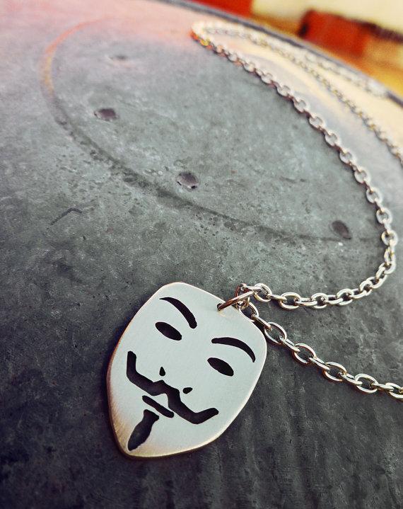 guy_fawkes_mask_v_for_vendetta_pendant_necklace_necklaces_2.jpg