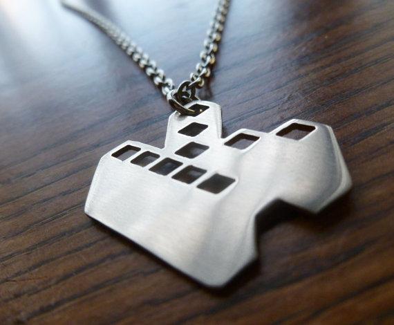 kopimi_pendant_necklace_piratbyr_n_the_pirate_bay_necklaces_3.jpg