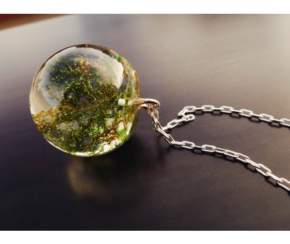 moss_filled_sphere_orb_necklace_h_quality_epoxy_resin_necklaces_6.jpg