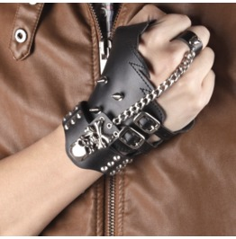 Steampunk Skull Spikes Links Chain Matching Ring Glove Bracelet