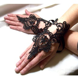 Handmade Goth Elegant Black Lace Fingerless Gauntlets Gloves Black Lace
