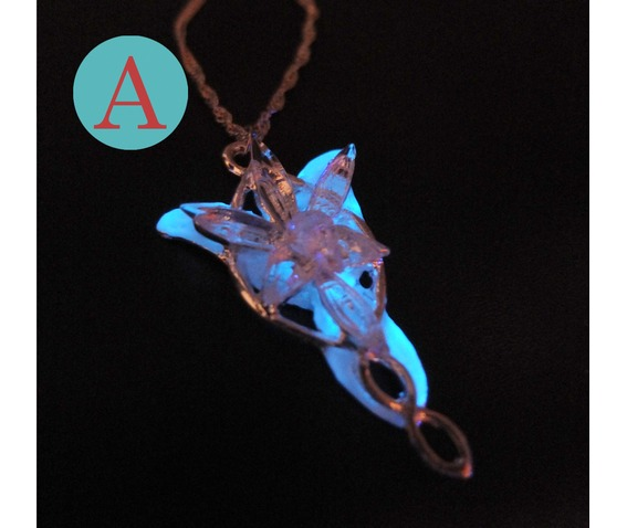 the_lord_of_the_rings_arwen_glowing_necklace__necklaces_4.jpg