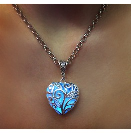 Ocean Of Love Heart Glowing Necklace B