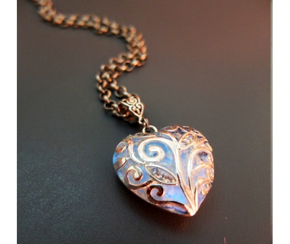 ocean_of_love_heart_glowing_necklace_b_necklaces_4.jpg