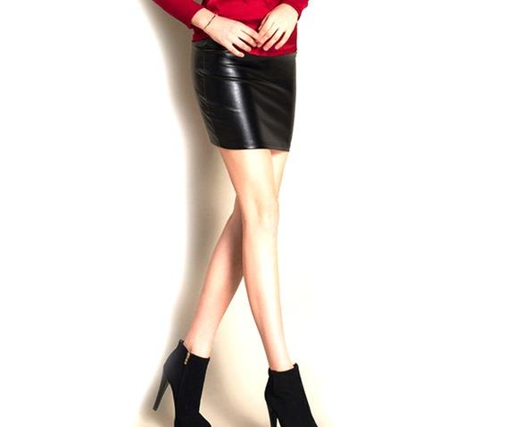 sweet_black_mini_skirt_faux_leather_size_6_8_uk_dresses_3.jpg