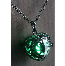 Green Glowing Orb Pendant Necklace Black Heart Locket