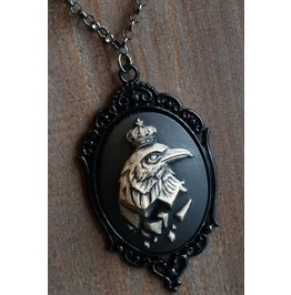 The King Of Crows Necklace Black