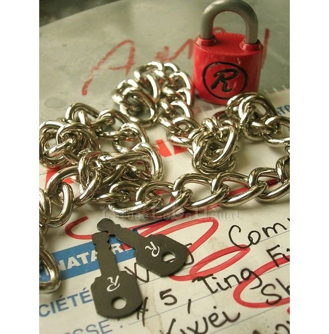 NANA Punk SEX PISTOLS R LOCK padlock necklace Chain RED