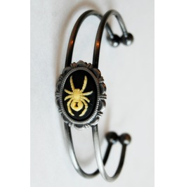 Handmade Spider Cameo Cuff Bracelet