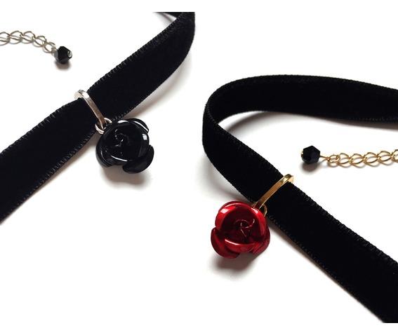 metal_rose_velvet_choker_red_necklaces_3.jpg