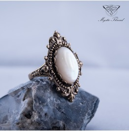 Pearlescent Gothic Victorian Ring