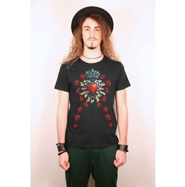 Sacred Heart Of The Virgin Intricate Milagros And Red Roses Black T Shirt
