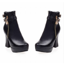 Stylish Side Zipper Chunky High Heel Boots