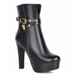 Stylish Rivets Thin High Heel Boots