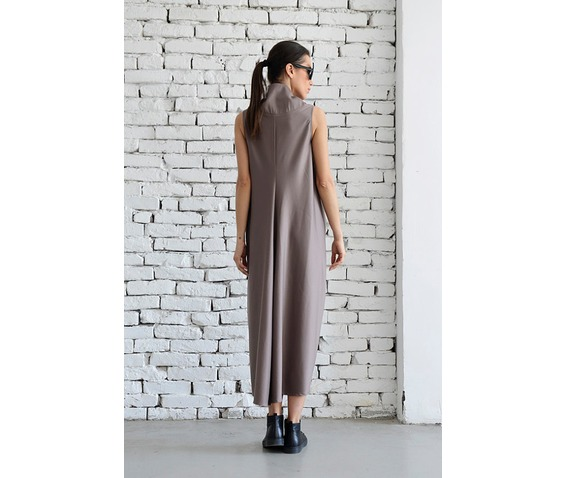 maxi_dress_loose_beige_dress_extravagant_sleeveless_dress_plus_size_dresses_6.jpg