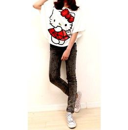 Pretty White Hello Kitty Style Top Has Wide Sleeves Small /Medium Size