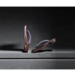 Japanese Style Wood Gedda Sandal(Random Color)