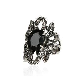 Women's Black Gem Gem Crystals Vintage Ring