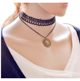 Punk Lace Leather Beauty Head Necklace