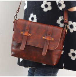 Retro Hand Shoulder Messenger Bag Vegetable Tanned Leather Handbags