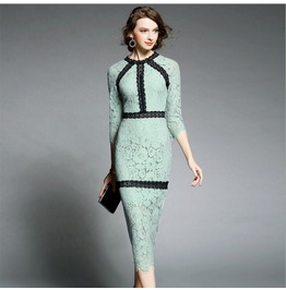 Autumn New Hollow Slim Dress In Lace Dress