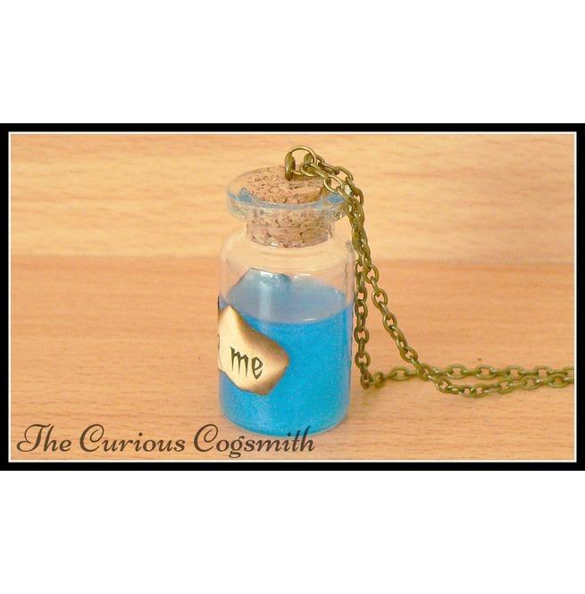 rebelsmarket_drink_me_potion_bottle_necklace_necklaces_5.jpg