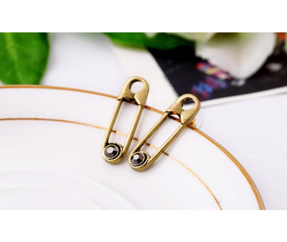 Paper Clip Shape Vintage Punk Stud Earrings_Earrings_3.jpg