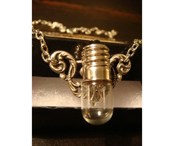 Steampunk Victorian Style Bulb Wings Necklace_Necklaces_5.JPG