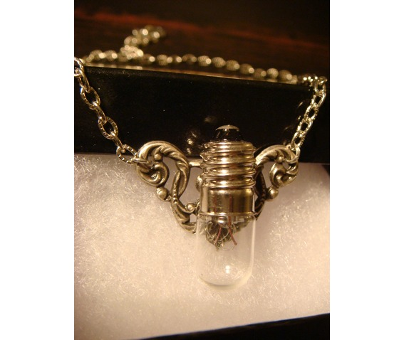 Steampunk Victorian Style Bulb Wings Necklace_Necklaces_4.JPG