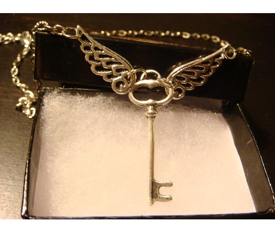 Flying Key Necklace Necklace Antique Silver_Necklaces_4.JPG
