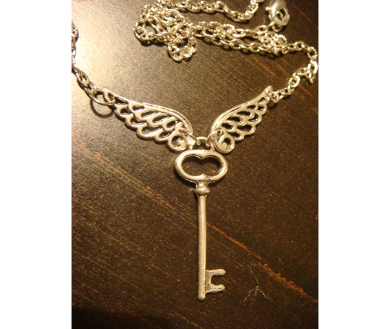 Flying Key Necklace Necklace Antique Silver_Necklaces_2.JPG