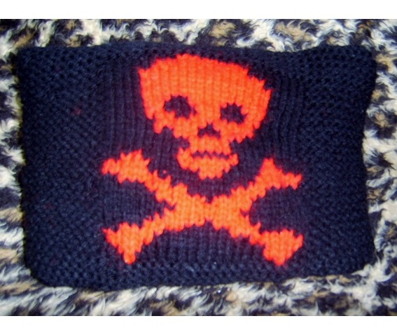 Black Red Skull And Crossbones Design Cushion Gothic_Pillows_2.JPG