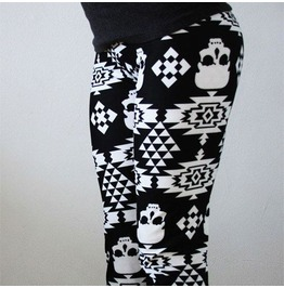 Women's Black Stilized Skull Geometric Item Leggings
