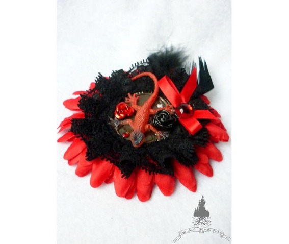 The Venomous Hair Clip Fascinator_Hair _4.jpg