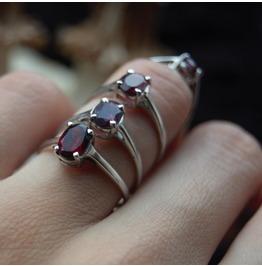 Scarlet Red Garnet 925 Sterling Silver Ring
