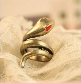 Twisted Snake Ring Gold