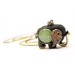 Lovely Vintage Rhinestone Elephant Pendant Necklace