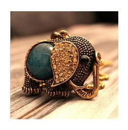 Lovely Rhinestone Elephant Necklace