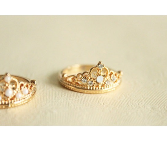 fashion_rhinestone_crown_ring_rings_2.jpg
