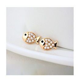 Fashion Cute Golden Pearl Fish Stud Earring