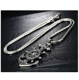 Gothic Titanium Steel Gothic Punk Steering Wheel Pendent Necklace Xpn40541