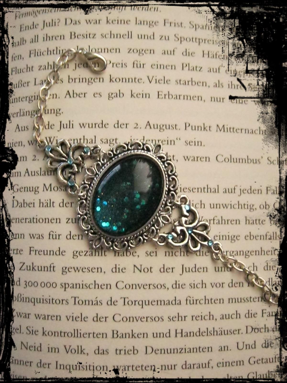 goth_bracelet_blue_glitter_stone_bracelets_2.JPG