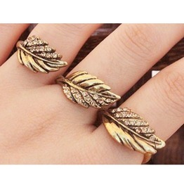 Fashion Rhinestone 3 Leaves Ring
