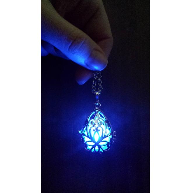 rebelsmarket_fairy_punk_jewelry_necklace_drop_locket_with_blue_glowing_orb_pendants_4.jpg