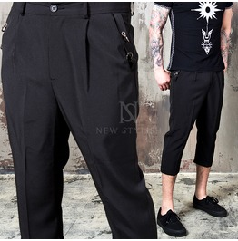 Piercing Accent Black Crop Slacks 135