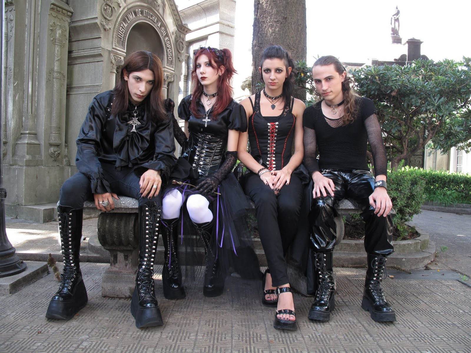 5 Things Wrong With Goth Subculture Right Now