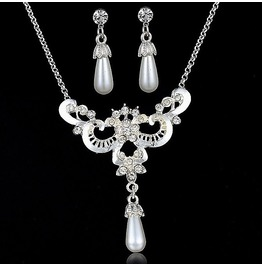Sterling Silver Bridal Crown Freshwater Pearl Crystal Necklace Jewelry Set