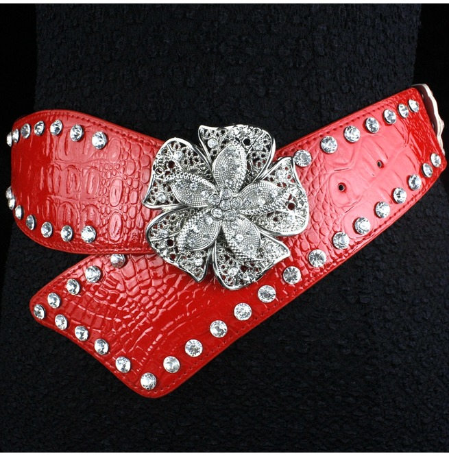 rebelsmarket_faux_diamond_leather_belt_high_fashion_flower_women_rivets_belt_belts_and_buckles_4.jpg